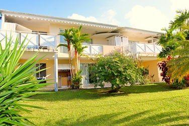 Situé à Sainte-Luce, le Karibea Resort vous accueille au coeur de jardins verdoyants