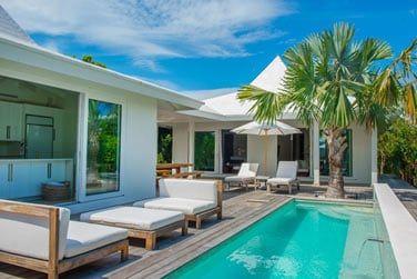 La piscine privée en villa