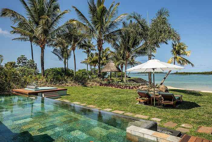 photo four seasons resort mauritius at anahita