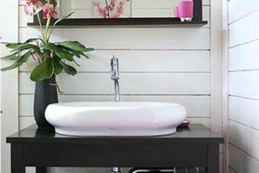 La salle de bain au décor 'zen' et épuré
