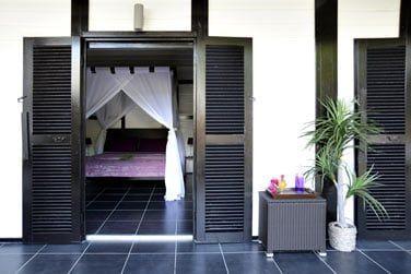 La chambre donne directement accès au jardin