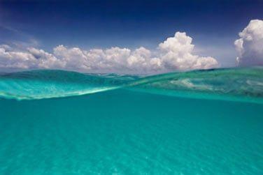 Au bord d'un magnifique lagon turquoise
