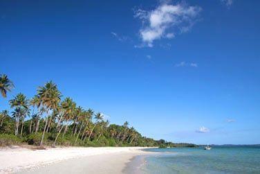 et d'une belle plage de sable blanc...