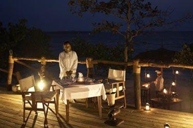 Offrez-vous le privilège d'un dîner romantique sous les étoiles...