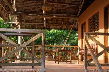 La grande terrasse confortablement aménagée