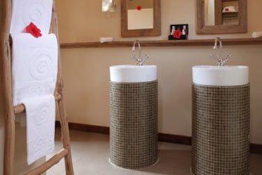 Salle de bain, élégante et épurée