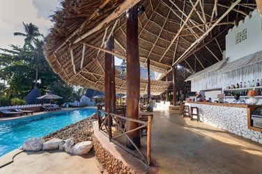 Le bar Hibuscus au bord de la piscine