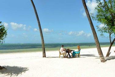 Déjeuner romantique dans un cadre paradisiaque