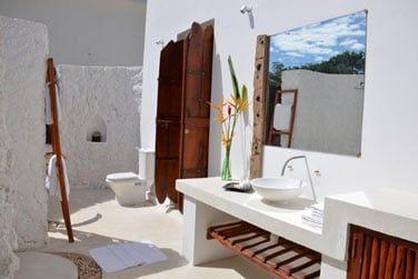 La salle de bain extérieure... Prenez une douche sous les étoiles !