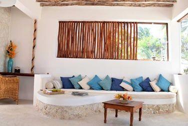 Le salon, spacieux et confortable