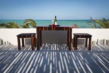 savourez un délicieux verre sur le toit au Rooftop Champagne bar... L'endroit pafait pour observer le coucher du soleil !