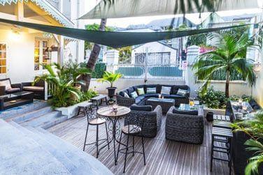 L'espace détente extérieur confortablement aménagé
