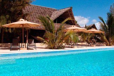 Le lodge possède 3 piscines