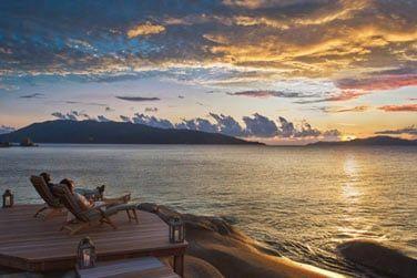 Admirez le coucher du soleil confortablement installé
