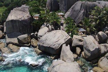 ... imposants rochers en granit...
