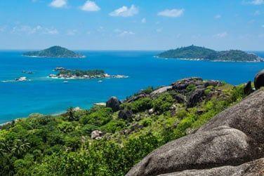 Côté activités, des excursions sont organisées pour visiter les îles voisines