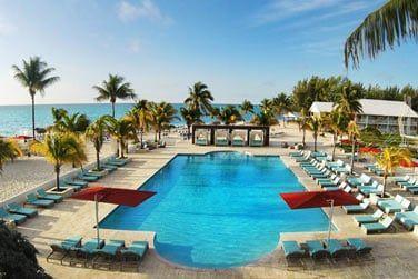 ... où détente et farniente vous attendent au bord de la piscine ou sur la plage