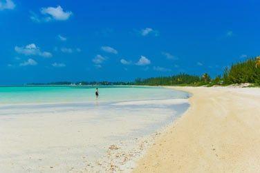 Détendez-vous sur l'une des superbes plages de l'île