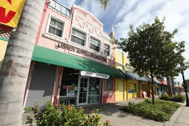 Des heures de shopping vous attend dans les boutiques de Bayside ou Coconut Grove