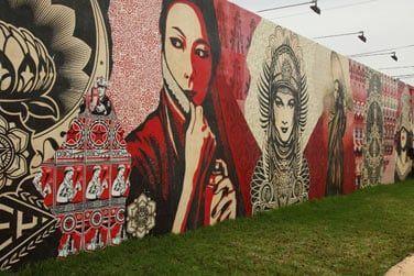 Ici l'art se découvre à chaque coin de rue...
