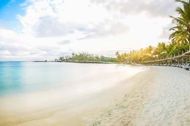 Belle plage de sable blanc...