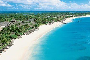 Situé sur la côte Est de l'île Maurice, bienvenue à l'hôtel Constance Belle Mare Plage !