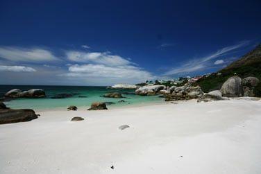 Découvrez les belles plages de sable blancs