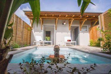 Détendez-vous dans la piscine privative...