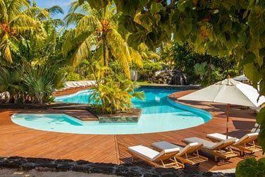 L'hôtel possède une piscine pour vous rafraichir après une journée d'excursions