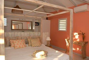 Une touche de romantisme avec son lit à baldaquin