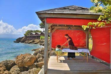 Massage relaxant en toute intimité, face à la mer...