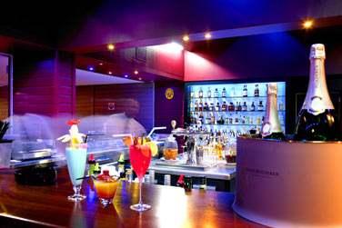 ... Le Bar, très lounge