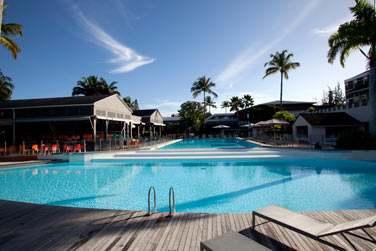 Et voici le site principal avec sa superbe piscine ...