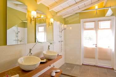 Salle de bain spacieuse et lumineuse de la Suite Duplex