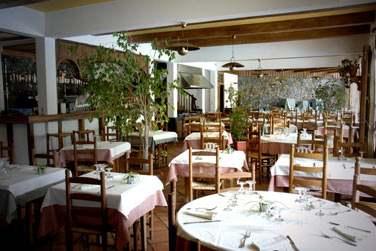 On y mange très bien et la table est très réputée