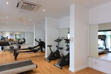 Remise en forme à la salle de fitness