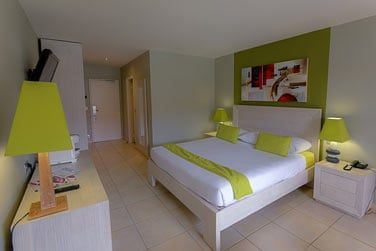 Une décoration moderne pare désormais les chambres de l'hôtel