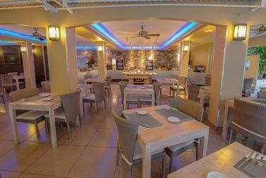 Une salle spacieuse pour votre petit déjeuner et votre dîner