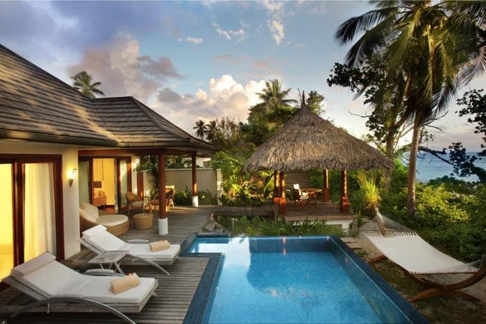 villa king deluxe front de mer avec piscine