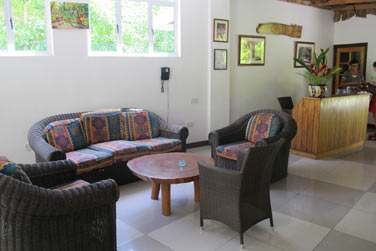 Au sein de cette maison de charme typiquement seychelloise...