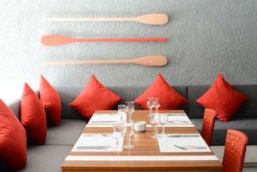Le restaurant Regatta et son décor coloré et moderne