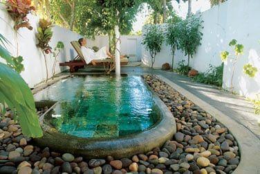 Profitez de votre venue au Spa pour vous détendre dans le bain à remous