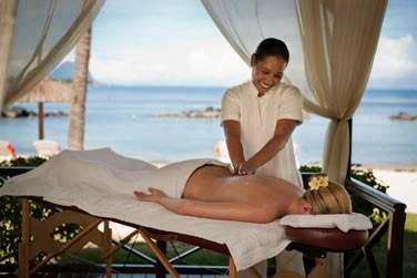 Massage en extérieur en bord de plage...