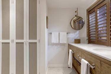 La salle de bain de la chambre Deluxe Premium