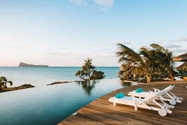 Piscine à débordement offre un point de vue magnifique sur l'île Coin de Mire