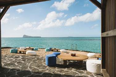 Le front de mer offre une vue dégagée sur les îles du nord