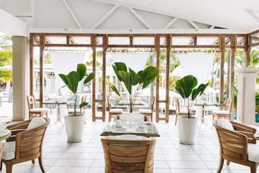 Le restaurant principal The Dining Room ouvert sur les espaces extérieurs