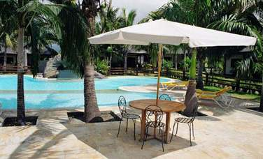 La piscine est un endroit où il fait bon lézarder après une belle journée d'excursion