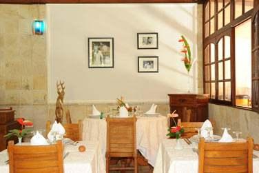 Saveurs créoles et spécialités locales au menu du restaurant La Pierre de Lune