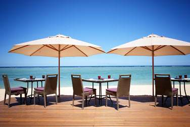 Rendez au restaurant The Beach pour un déjeuner en bord de mer